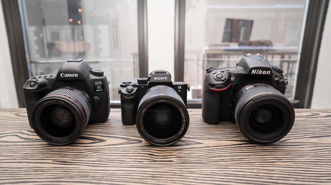 كاميرات DSLR و ميرورليس