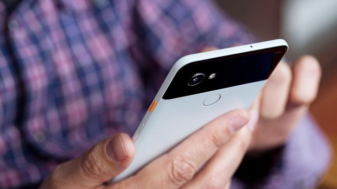 شاهد كيف قامت جوجل بتصميم كاميرة الهاتف الذكي بيكسل 2
