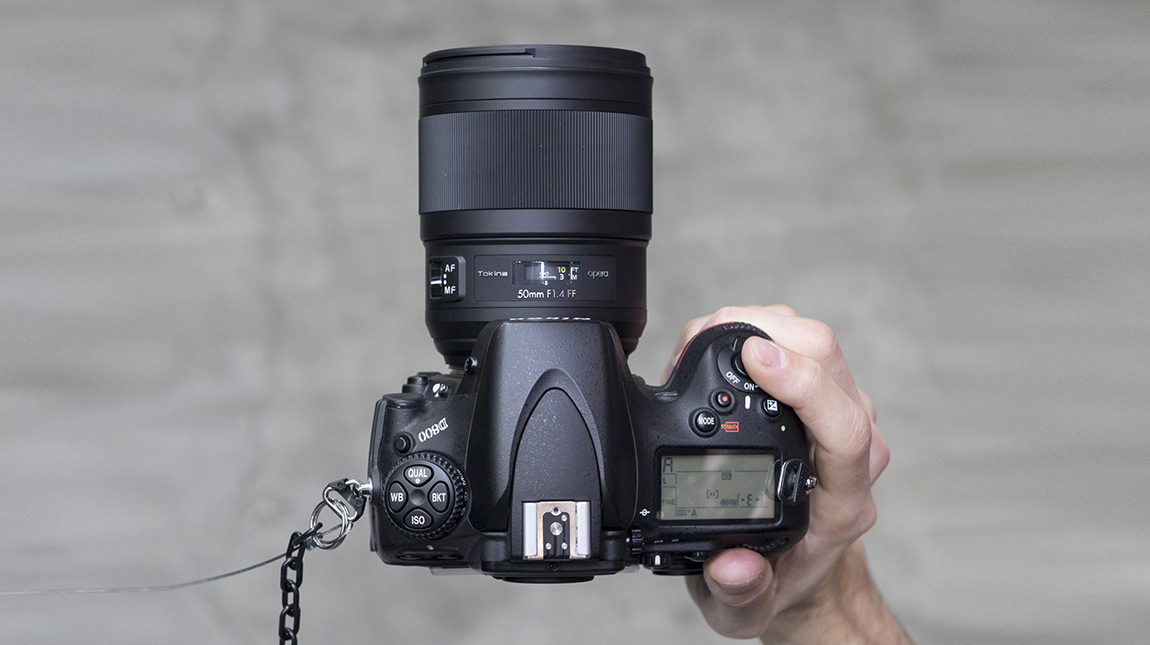 توكينا تطلق عدسة Opera 50mm لكاميرات فل فريم