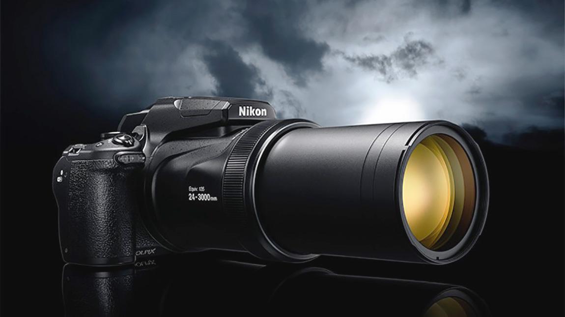 إطلاق كاميرة نيكون P1000 بتقريب خارق يصل الى 3000 ملم