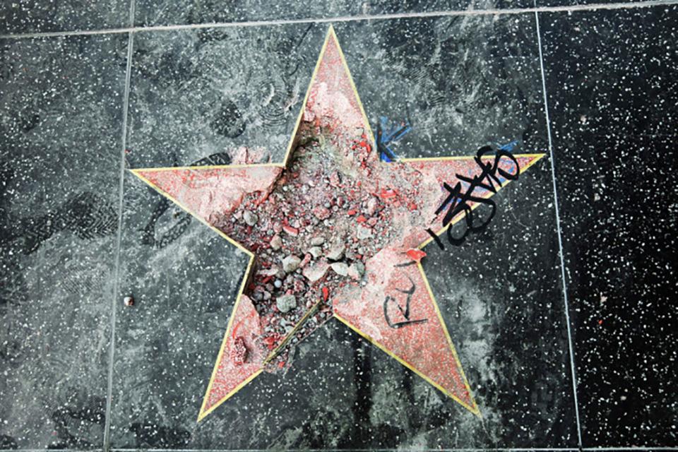 تدمير نجمة دونالد ترامب في ممر المشاهير في هوليوود للمرة الثانية