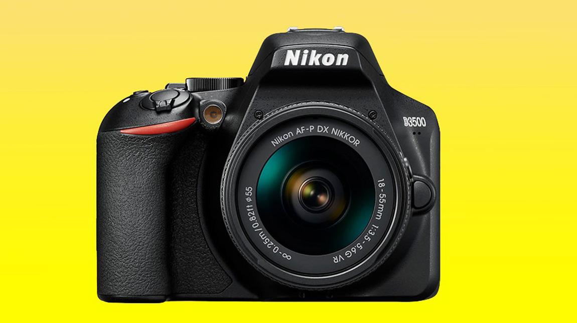 كاميرة نيكون D3500 صغيرة الحجم وبسيطة ومتعددة الاستخدامات