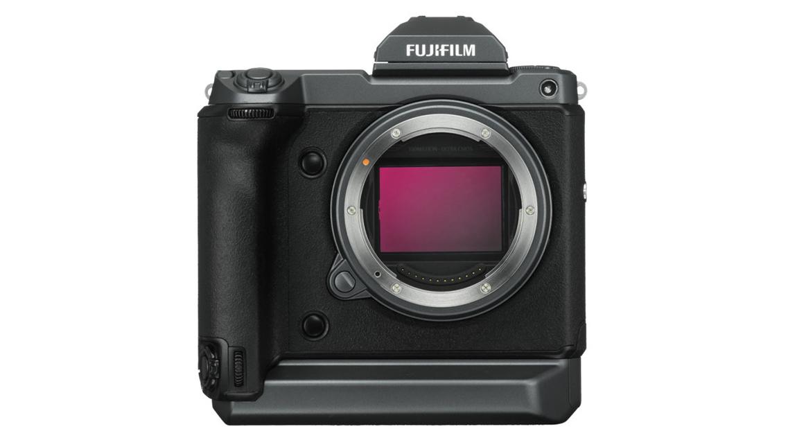 فوجي فيلم GFX 100 كاميرا ميديوم فورمات بوضوح 102 ميجابيسكل