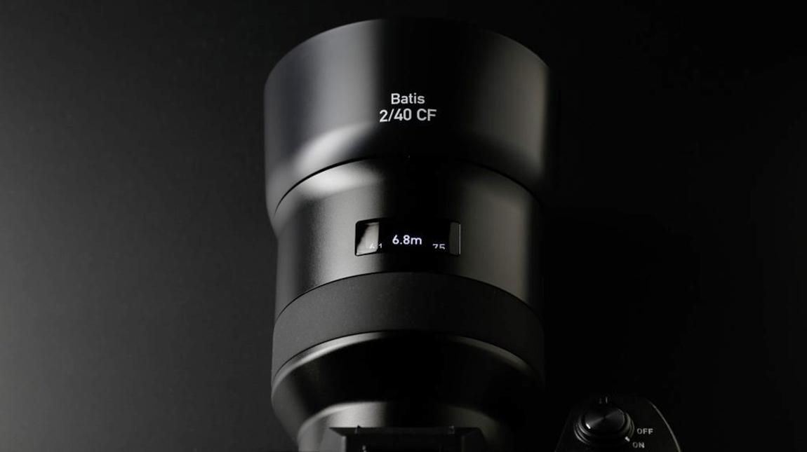 زايس تطلق عدسة Batis 40mm لكاميرات سوني