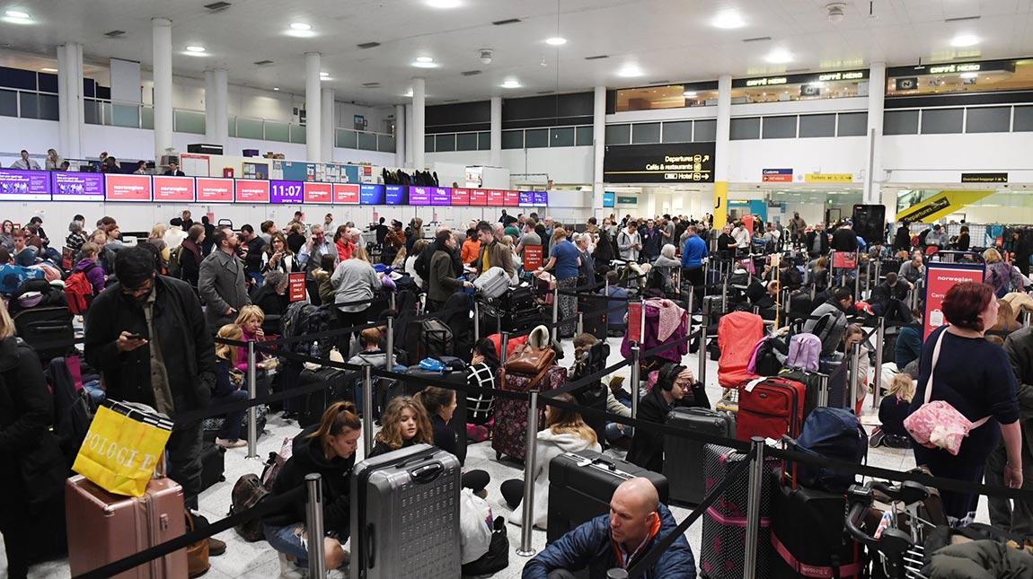 إغلاق مطار جاتويك بسبب درون واستدعاء الجيش للتعامل مع الازمة