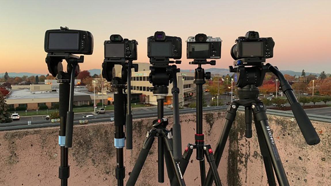 مقارنة بين كاميرات ميرورليس من كانون و نيكون و سوني و فوجي و بلاك ماجيك