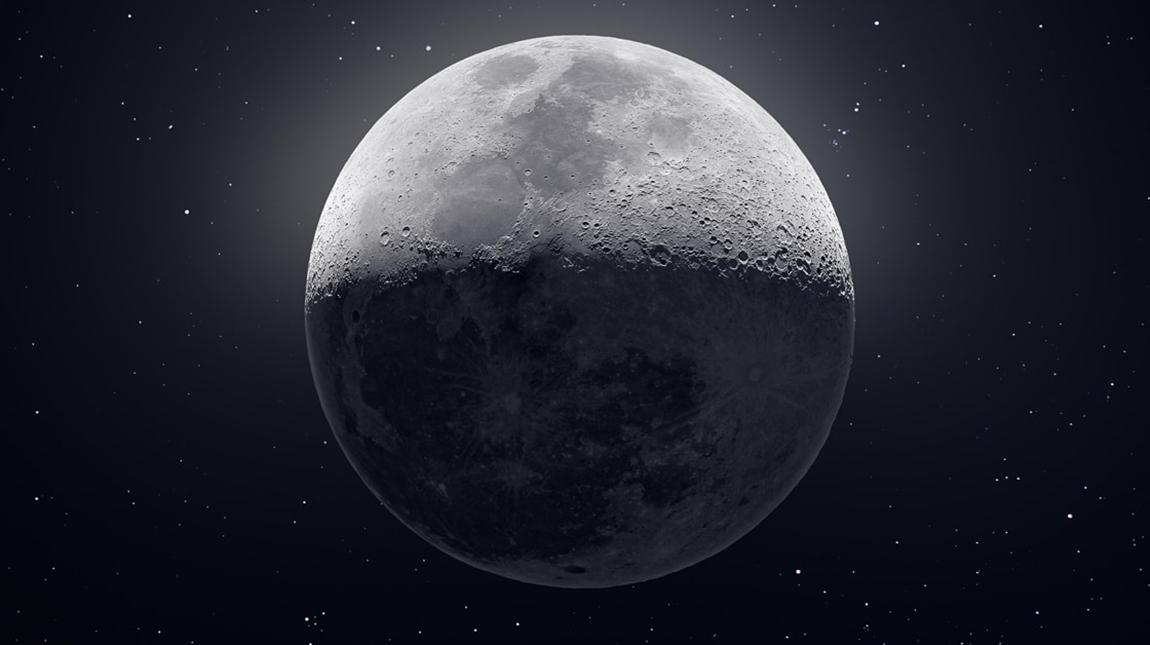 صورة للقمر مكونة من 50 الف صورة تم تجميعها بالفوتوشوب