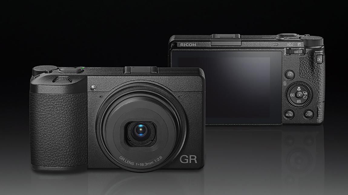 كاميرا Ricoh GR III بمستشعر 24MP واستقرار ثلاثي المحاور