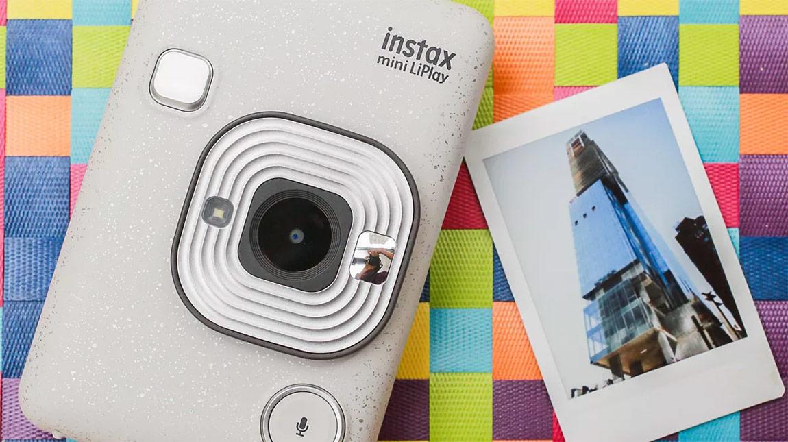 فوجي فيلم Instax Mini LiPlay كاميرا للتصوير الفوري مع الاحتفاظ بالصوت