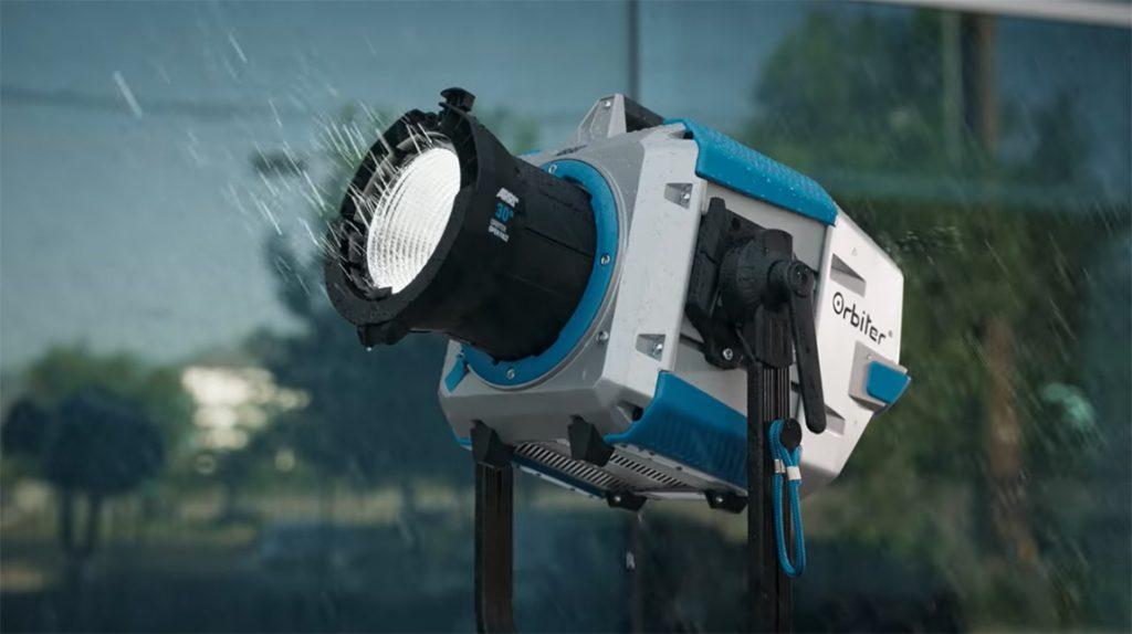 ارري تطلق Oribiter ضوء LED للمصورين السينمائيين ومصوري الفيديو
