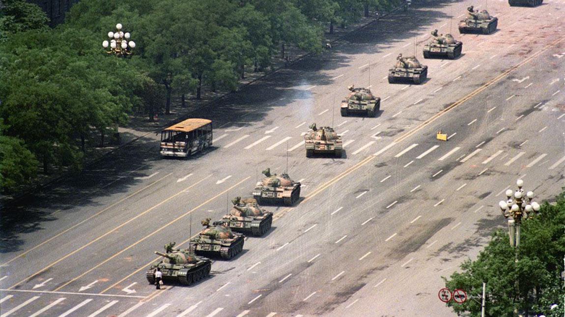 وفاة المصور تشارلي كول ملتقط صورة Tank Man الشهيرة