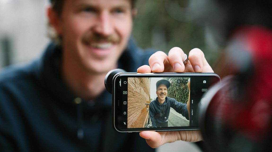 الإعلان عن Moment Fisheye 14mm عدسة واسعة الزاوية للهواتف الذكية