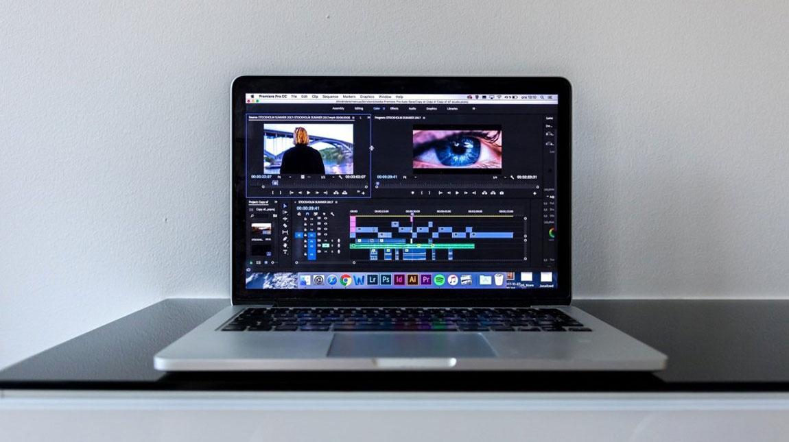 أفضل 3 مواقع للحصول على لقطات فيديو مجانية بدون حقوق الملكية