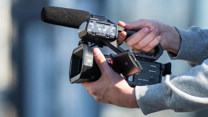 باناسونيك HC-X2000 و HC-X1500 و AG-CX10 كاميرات لتصوير الفيديو بدقة 4K